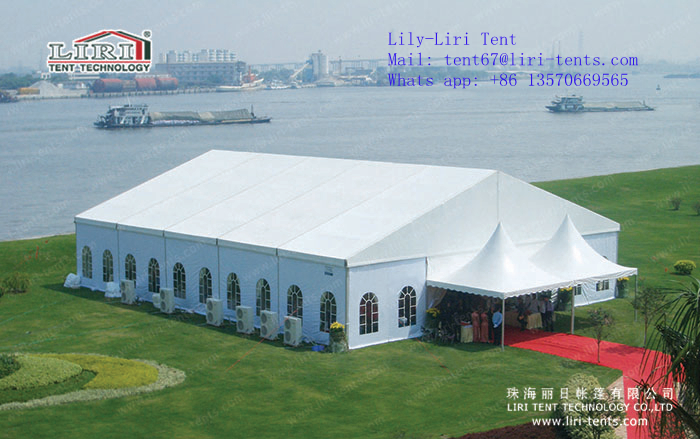 Liri outdoor restaurant with pagoda tent